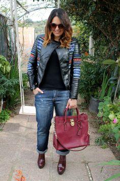Cristina comparte con nosotros su #chaqueta de cuero MotuFashion. Michael Kors Hamilton, Bags, Fashion, Leather, Fashion Bloggers, Jackets, Handbags, Moda, Fashion Styles