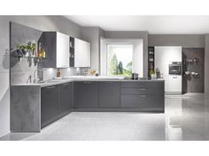 Kitchen Design Ideas by German Kitchen Center. Our expert kitchen designers will bring your dream kitchen to reality, with stunning results. European Kitchens, Grey Kitchens, Modern Barn, Mid-century Modern, Grey Cabinets, Kitchen Cabinets, Kitchen Interior, Kitchen Design, Rezepte