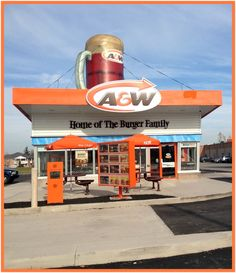 A&W Drive through and restaurant Restaurant History, Vintage Restaurant, Fast Food Restaurant, A&w Root Beer Float, Soda Crush, A&w Restaurants, Mini Cafe, Fast Food Menu, Vintage Florida