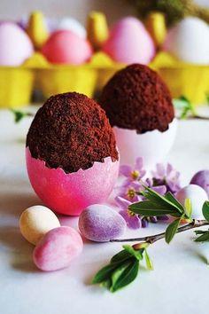 Jajko z niespodzianką, fot. DARia DZIda z mysweetworld.pl #jajka #ciastko #Wielkanoc #prezenty #dekoracja #ciastka #muffiny #czekoladowe #czekolada #kakao #słodkie #zdjęcia #jajko #wielkanocne #święta #ozdoby #Easter #eggs #pink #kitchen #cooking #master #best