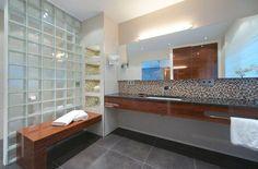 Badezimmer Mit Sauna Im Modern Badezimmer Mit Glasbausteine Neben Mosaik  Zusammen Mit Sauna | Home Design