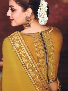Indian wedding blouse design for silk sarees - ArtsyCraftsyDad Blouse Designs High Neck, High Neck Blouse, Fancy Blouse Designs, Choli Designs, Mehndi Designs, Saree Blouse Patterns, Designer Blouse Patterns, Designer Saree Blouses, Lehenga