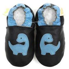 Image issue du site Web http://i2.cdscdn.com/pdt2/2/2/3/1/300x300/mp02983223/rw/filles-de-chaussures-cuir-bebe-bebe-garcon-chaussu.jpg