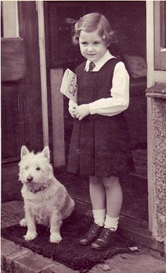 Training Your Dog With A Few Key Tips. Dogs are a special animal that bring a lot of joy into lives. However, training your puppy can require a lot of hard work. Vintage Children Photos, Vintage Pictures, Old Pictures, Vintage Images, Westies, Vintage School, White Terrier, Terrier Mix, West Highland Terrier