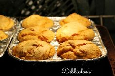 Pumpkin {Weight watchers muffins}  Only 2 ingredients! Box cake mix and canned pumpkin filling.