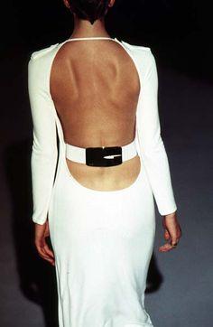 chanel bags & cigarette drags - Gucci RTW F/W 1996 Timeless Fashion, Retro Fashion, High Fashion, Vintage Fashion, Womens Fashion, Gold Fashion, Fashion Images, Fashion Models, Fashion Brands