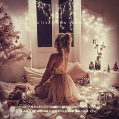 Image about girl in photos by Ditta on We Heart It Girl Photography Poses, Light Photography, Fashion Photography, Tumblr Selfies, Mode Bollywood, Tres Belle Photo, Black Party Dresses, Christmas Night, Girly Pictures