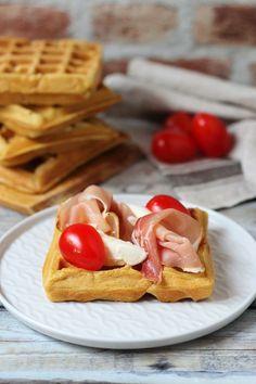 Sós gofri alaprecept - Kifőztük Waffles, Pancakes, Healthy Fruits, Mozzarella, Breakfast Recipes, Food And Drink, Low Carb, Sweets, Diet