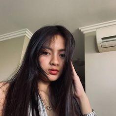 Artis Cantik Tik Tok Filipina Ini Diserang Netizen Cewek Indonesia, Karena Cemburu? Beautiful Asian Girls, Pretty Girls, Ulzzang Korean Girl, Filipina, Ikon, Martini, Tik Tok, Hair Beauty, Entertainment