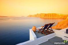 Com um litoral tranquilo, praias bem reservadas e lugares históricos, a Grécia é um país que merece uma visita. Santorini é um dos destinos mais procurados para Lua de Mel com hotéis e vistas incríveis.