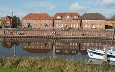 Spiegelungen,Alter Hafen von Hooksiel, Wangerland, Nordsee, Reflections, Old harbour of Hooksiel, Wangerland District, North Sea