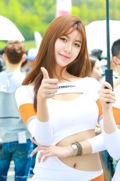 The sexiest moment of Ban ji Hee at CJ Super Race Championship 2016