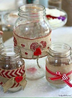 Such a fun idea for any love themed event - DIY mason jars (With just a few changes, this could make a great gift! Valentines Day Decorations, Valentine Day Crafts, Holiday Crafts, Burlap Crafts, Jar Crafts, Diy And Crafts, Mason Jar Gifts, Mason Jar Diy, Mason Jar Projects