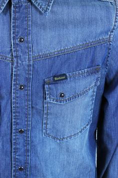 .. Casual Shirts For Men, Men Casual, Shirt And Tie Combinations, Denim Shirt Men, Shirt Cuff, How To Look Handsome, Levis 501, Boys Jeans, Mens Clothing Styles