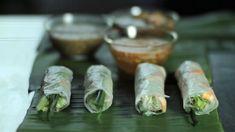 Rispapirruller med tigerreker, svinkjøtt, risnudler, bønnespirer, agurk, urter og vårløk fra TV-serien Spis Vietnam.