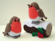 DIY Knitted woolen Christmas ornaments that will magically decorate your home In our article today we have some ideas for you from woolen knitted Christmas decorations. Knitted Christmas Decorations, Knit Christmas Ornaments, Christmas Toys, Christmas Themes, Handmade Christmas, Xmas Decorations, Christmas Place, Animal Knitting Patterns, Free Christmas Knitting Patterns