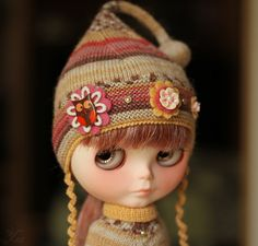 Set for blythe dusty pink-brown-honey poncho and hat от Ulanna