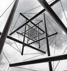 Needle Tower II/Kenneth Snelson/1969