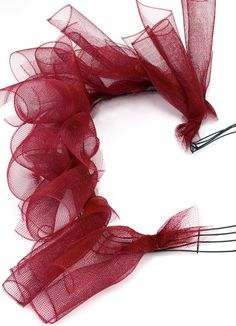 Party Ideas by Mardi Gras Outlet: Making a Valentine Heart Wreath with Deco Mesh