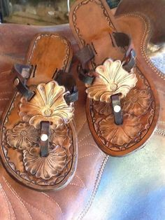 Very Light and Fresh Look. Cute Sandals, Cute Shoes, Me Too Shoes, Shoes Sandals, Heels, Cowgirl Style, Cowgirl Boots, Leather Tooling, Tooled Leather