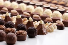 FIRENZE L'International Chocolate Awards, in programma dal 19 al 23 febbraio, porterà nel capoluogo di regione i migliori cioccolatieri del mondo... http://www.intoscana.it/site/it/enogastronomia/articolo/Firenze-capitale-del-cioccolato-Sfidarsi-a-colpi-di-praline-e-tartufi/