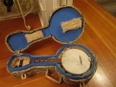 Cases made by Ralph Shaw fans, Not only does this bring you to a tutorial of how to make a solid case ukulele of banjolele case, but he also wrote a song with the full lesson, that there is a link to as well. This is great! I'm going to make a hard shell case for my Maybell Banjo ~ Ukulele!