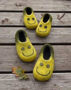 Felted slippers for children. Clogs. Handmade home shoes. 100%