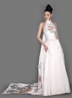 NE TIGER Spring Wedding Dress from fashionbride.wordpress.com