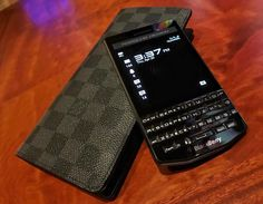 "#inst10 #ReGram @raff_christ: Graphite meet graphite  . . . . #louisvuitton #longwallet #louisvuittonwallet #damier #damiergraphite #blackberry #p9983 #porschedesign ...... #BlackBerryClubs #BlackBerryPhotos #BBer ....... #OldBlackBerry #NewBlackBerry ....... #BlackBerryMobile #BBMobile #BBMobileUS #BBMibleCA ....... #RIM #QWERTY #Keyboard .......  70% Off More BlackBerry: "" http://ift.tt/2otBzeO ""  .......  #Hashtag "" #BlackBerryClubs "" ......."