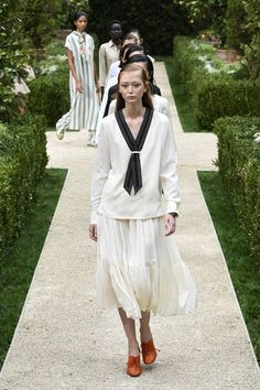 035b6228ebc7 Tory Burch Spring 2019 Ready-to-Wear Collection - Vogue String Bikinis