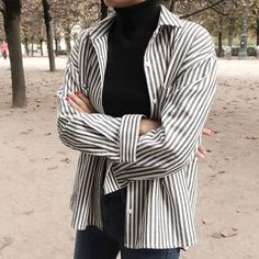 Trendy Outfits, Girl Outfits, Cute Outfits, Fashion Outfits, Polo Fashion, Girl Fashion, Oversized Polo, Polo Outfit, Tailored Shirts
