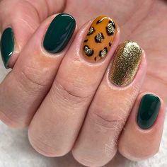 Round Nail Designs, Green Nail Designs, Dark Green Nails, Short Gel Nails, Short Rounded Acrylic Nails, Short Round Nails, Leopard Print Nails, Leopard Nail Art, Powder Nails