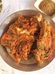 Afghani-style mutton chop karhai with pepper, coriander and cumin by Sumayya Usmani Kebab Recipes, Lamb Recipes, Curry Recipes, Indian Food Recipes, Ethnic Recipes, Savoury Recipes, Pakistani Dishes, Pakistani Recipes