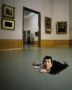 MAURIZIO CATTELAN http://www.widewalls.ch/artist/maurizio-cattelan/ #contemporary #art #sculpture Les 2 wereldbeeld