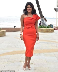 Radiant: Priyanka Chopra looked sensational as she promoted her new film The Sky Is Pink in India on Thursday Priyanka Chopra Red Carpet, Shraddha Kapoor, Ranbir Kapoor, Deepika Padukone, Stylish Street Style, Charli Xcx, Indian Celebrities, Types Of Dresses, British Style