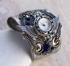 says cuff watch. I thought it was a cap!