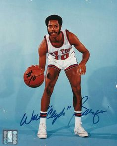 Comes with certificate of autheticity. Walt led the N. Knicks to their ONLY two NBA Championships 7 NBA All-Star Basketball Posters, Basketball Leagues, Basketball Legends, Basketball Teams, New York Knickerbockers, Walt Frazier, National Basketball League, Clyde Drexler, Nba League