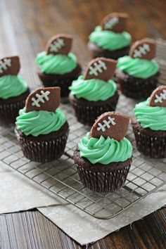 Football Cupcakes for your Super Bowl party! | Cookie Monster Cooking