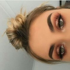 Dicas de maquiagem mágica para a maquiagem perfeita - Halloween make up ideas - . - Make-up Ideen - Glam Makeup, Formal Makeup, Skin Makeup, Makeup Inspo, Eyeshadow Makeup, Makeup Inspiration, Makeup Ideas, Makeup Goals, Eyeshadows