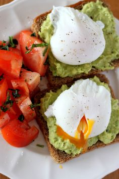 Quick Healthy Breakfast Ideas & Recipe for Busy Mornings Raw Food Recipes, Diet Recipes, Healthy Recipes, Quick Healthy Breakfast, Breakfast Recipes, Breakfast Ideas, Yummy Snacks, Yummy Food, Food Inspiration