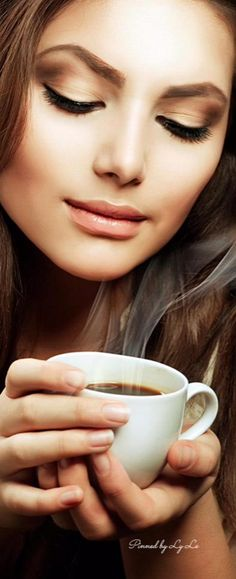 Better Coffee Is On The Horizon! Read How - Ultimate Coffee Cup Coffee Cafe, My Coffee, Coffee Shop, Coffee Break, Morning Coffee, Nespresso, Starbucks, Coffee Quotes Funny, Autumn Tea