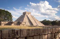 Chichen Itza - Mayan Ruins by sheldylaur,