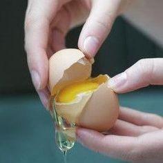 huevo-clara-proteinas ... MARAVILLOSO SECRETO PARA COMBATIR LAS ESTRÍAS-->http://unacasaparatispabienaventuradamujer.wordpress.com/2013/08/10/como-elimiar-estrias-con-remedios-caseros/