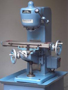 Lathe Tools, Old Tools, Metal Working Machines, Metal Mill, Vertical Milling Machine, Tool Room, Machinist Tools, Homemade Tools, Vintage Tools
