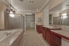 9500 Bluff Ledge Ave Las Vegas, NV 89149 www.lasvegashomes.com Master Bathroom