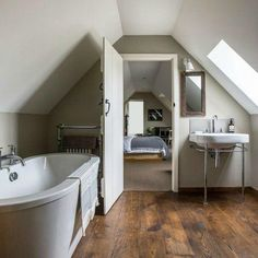 attic renovation master suite Turn Your Attic into the Bathroom of Your Dreams Today – Attic Basement Ideas Source by michael_albaugh Attic Master Bedroom, Attic Bedrooms, Bedroom Loft, Attic Bedroom Designs, Attic Renovation, Attic Remodel, Bath Remodel, Loft Conversion Bedroom, Attic Conversion Master Suite
