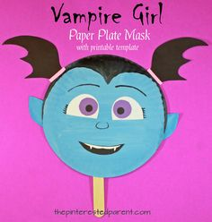 Vampirina inspired vampire girl paper plate mask with free printable template. Arts and crafts for kids. Perfect for Halloween or for pretend play. Christmas Activities For Kids, Holiday Crafts For Kids, Halloween Activities, Kids Christmas, Preschool Halloween, Paper Plate Masks, Paper Plate Crafts, Paper Plates, Easy Halloween Crafts