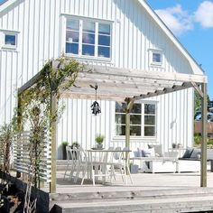 Scandinavian #patio design. Nice one!  #outdoor #decor #verande #terase #diybazaaridei pentru casa