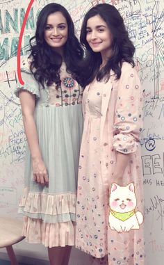 Alia n diya together. Western Outfits, Indian Outfits, Westside Kurti, New Suit Design, Black Prom Dresses, Summer Dresses, Stylish Kurtis, Alia Bhatt Cute, Frocks And Gowns