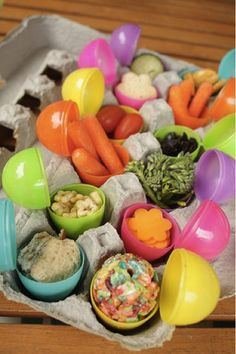 Healthy Easter egg lunch or snacks Easter Snacks, Easter Treats, Easter Party, Easter Recipes, Holiday Recipes, Easter Lunch, Easter Food, Hoppy Easter, Easter Eggs